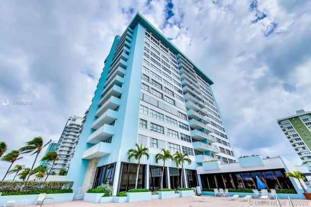 5838 Collins Ave #9G