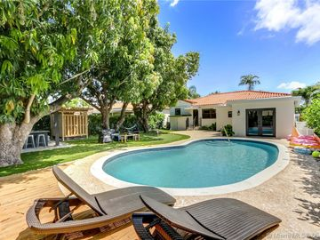 Swimming Pool, 780 SW 21st Rd, Miami, FL, 33129,