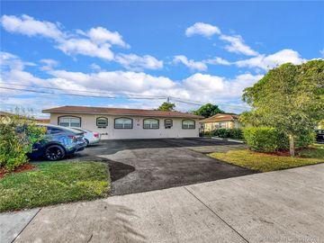 4050 Woodside Dr, Coral Springs, FL, 33065,