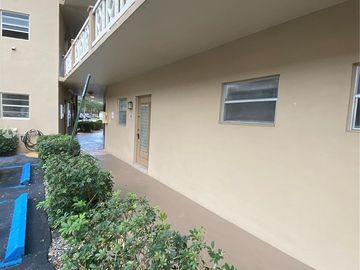 5051 W Oakland Park Blvd #106, Lauderdale Lakes, FL, 33313,