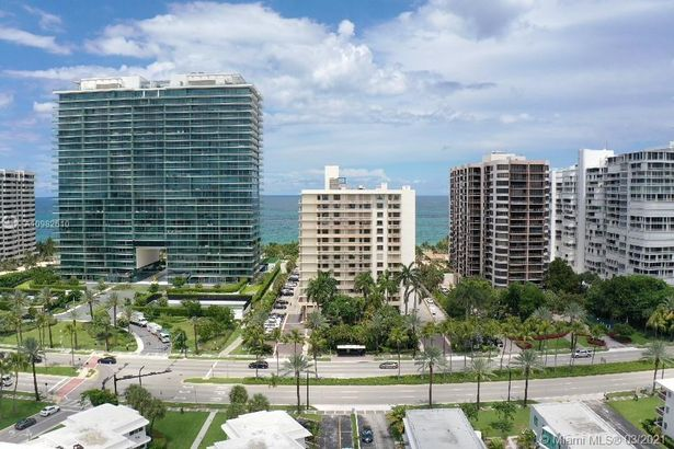 10185 Collins Ave #1007