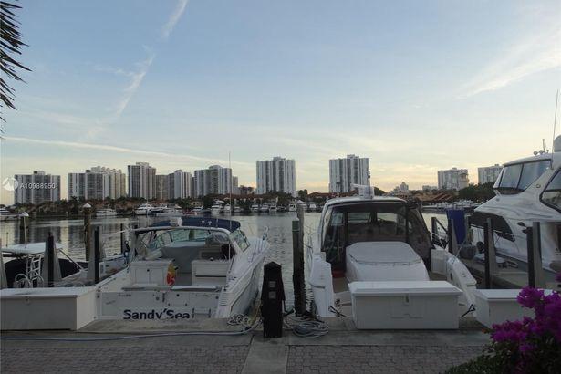 3610 Yacht Club Dr #1510