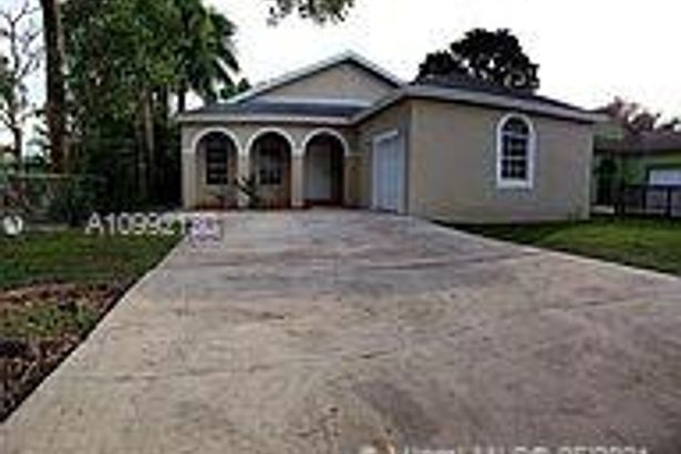 446 NW 14th St