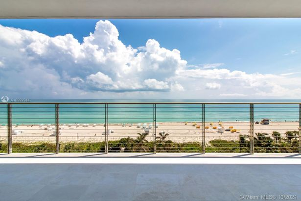 3651 Collins Ave #700