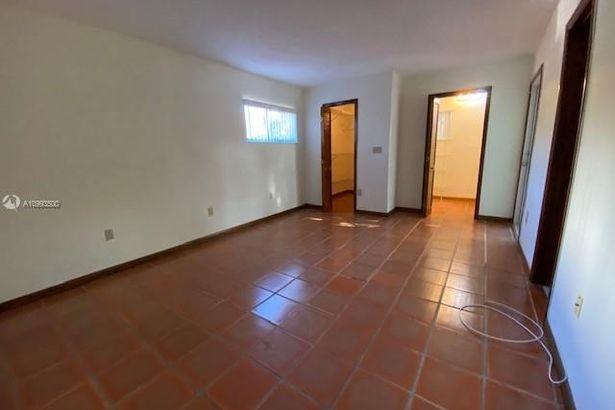 400-402 Majorca Ave