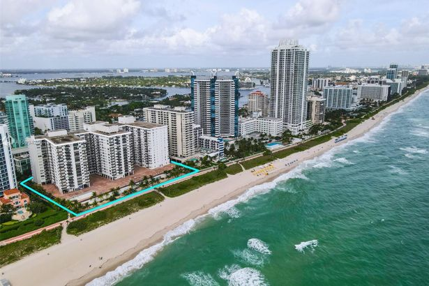 6039 Collins Ave #716