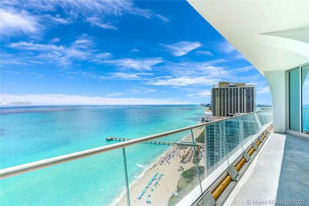 16901 Collins Ave #2405