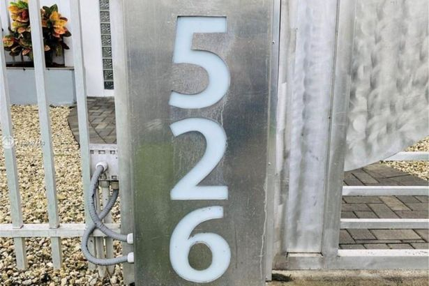 526 15th St #3