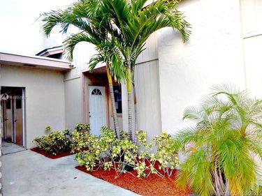 3943 Coral Springs Dr #23, Coral Springs, FL, 33065,