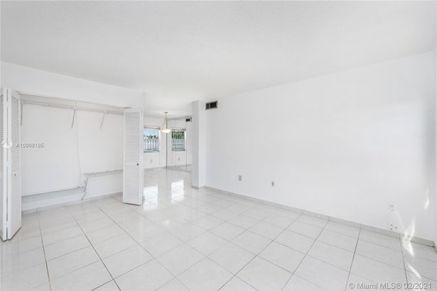 1400 SW 27th Ave #201