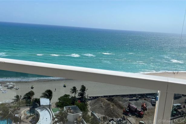 18001 Collins Ave #910