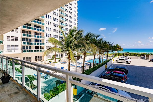 6917 Collins Ave #415