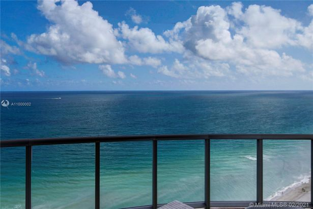 18683 Collins Ave #2401