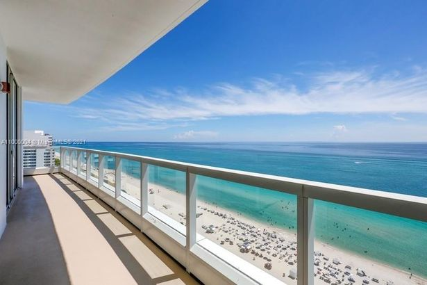 4391 Collins Ave #1909-10