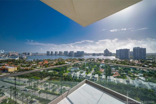18975 Collins Ave #1405