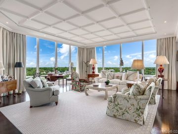 60 Edgewater Dr #7A, Coral Gables, FL, 33133,