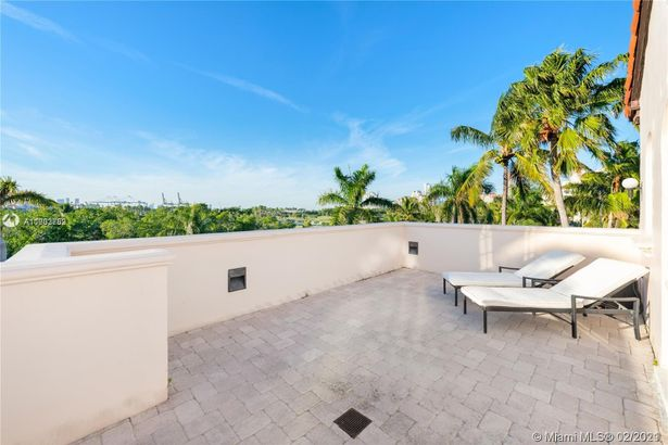 19241 Fisher Island Dr #19241