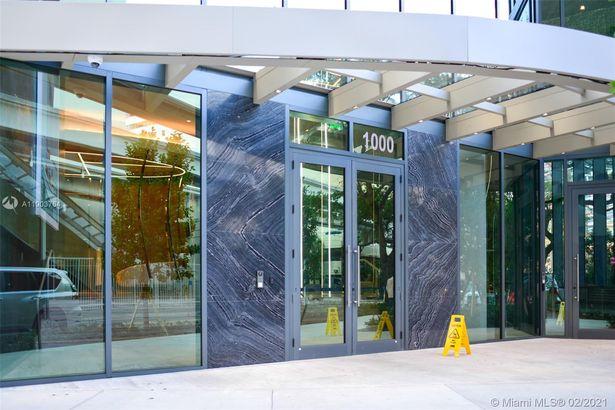 1000 Brickell Plaza #2002