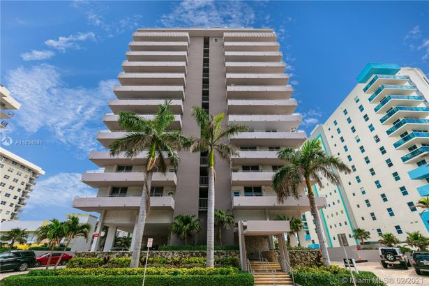 9225 Collins Ave #501