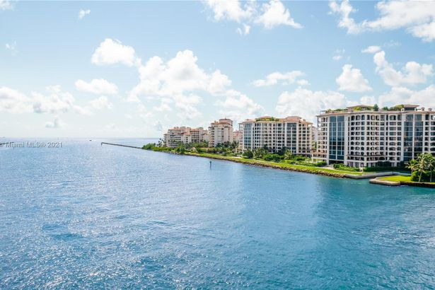 6800 Fisher Island Dr #6812