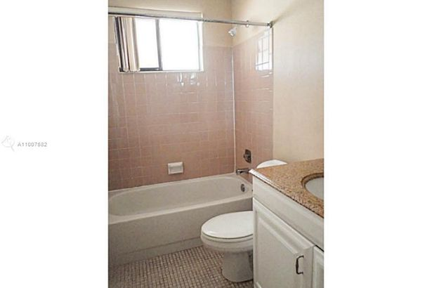 851 NW 79th Ter #851