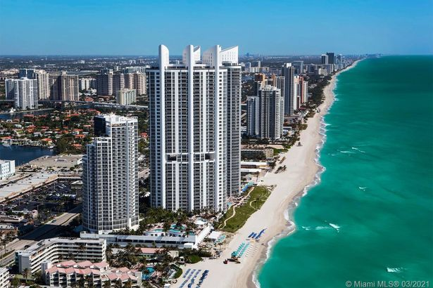 18001 Collins Ave #610