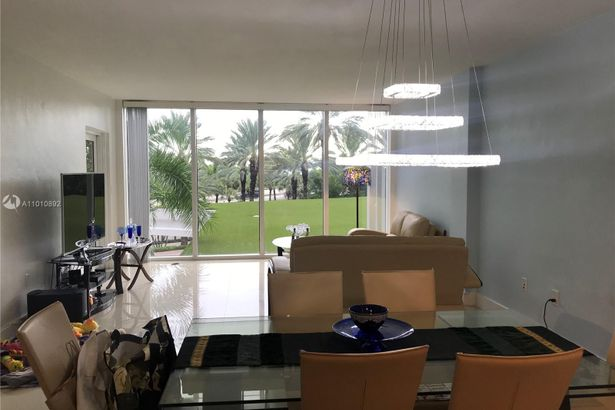10275 Collins Ave #225