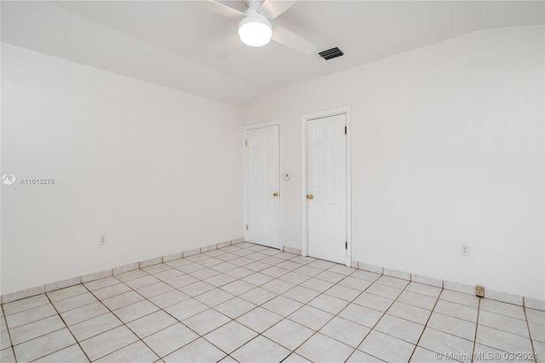800 SW 28th Rd