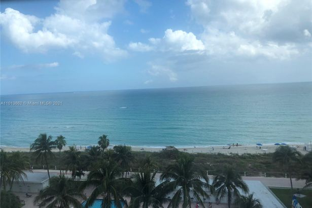 6345 Collins Ave #732
