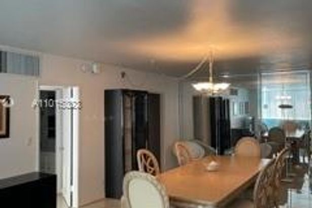 5005 Collins Ave #107