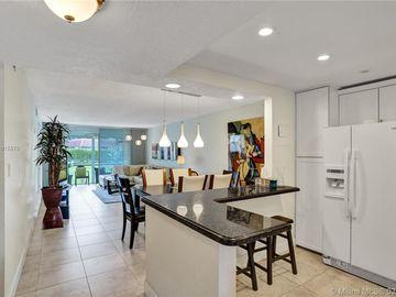 9410 N Hollybrook Lake Dr #104, Pembroke Pines, FL, 33025,