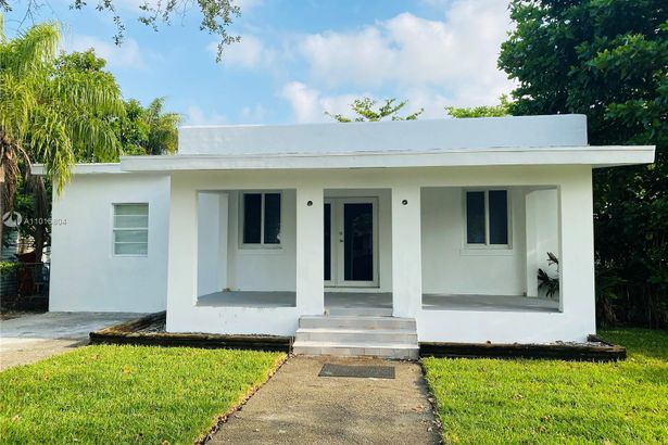 401 NW 40th St