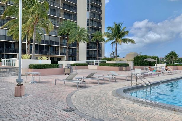 20335 W Country Club Dr #310
