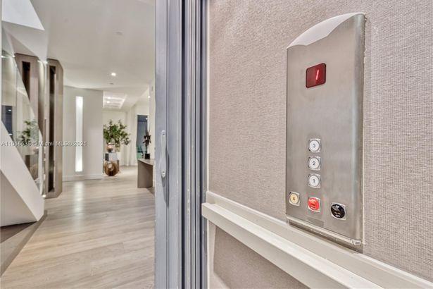 900 Brickell Key Blvd #PH4