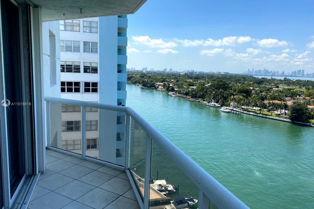 5880 Collins Ave #1404