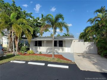 824 NE 11th Ave, Pompano Beach, FL, 33060,
