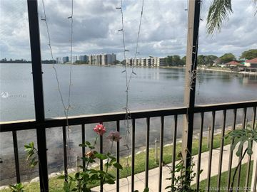 109 Lake Emerald Dr #202, Oakland Park, FL, 33309,