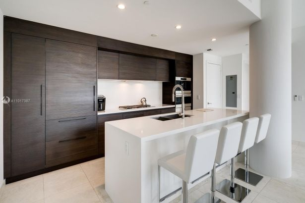 1 Collins Ave #106