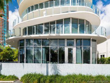 1 Collins Ave #106, Miami Beach, FL, 33139,