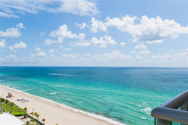 18683 Collins Ave #1804
