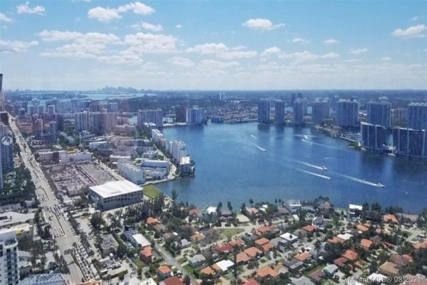 18975 Collins Ave #4404 - TURNKEY