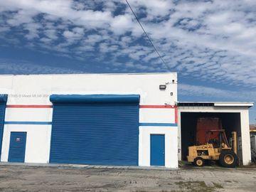 Undisclosed Address, North Miami Beach, FL, 33162,