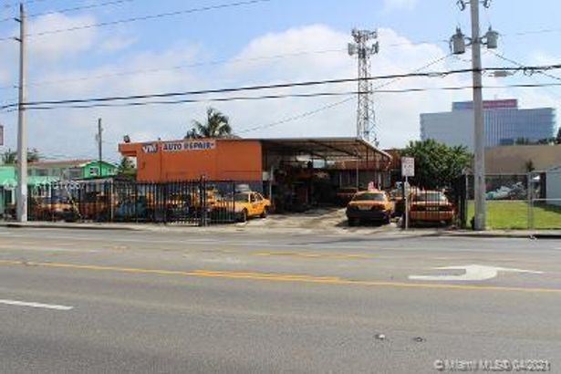 2695 NW 7th Ave