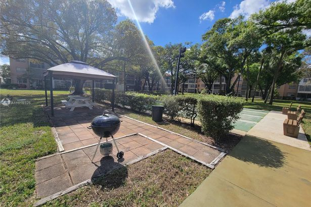 3070 NW 48th Ter #113