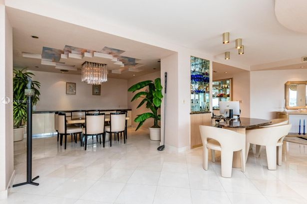 10155 Collins Ave #1607