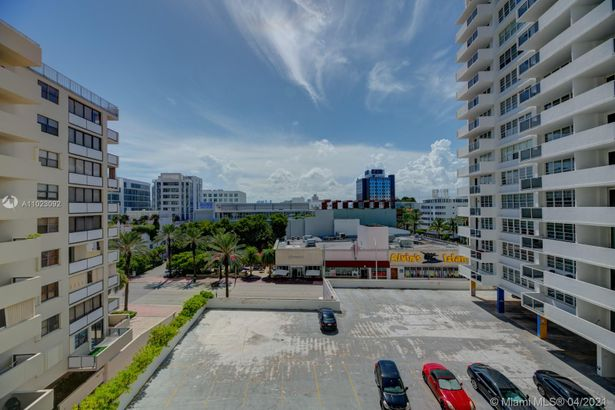 100 Lincoln Rd #622