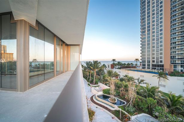 18975 Collins Ave #305 FINISHED