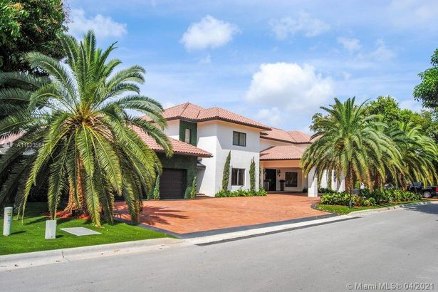 4933 NW 94th Doral Pl