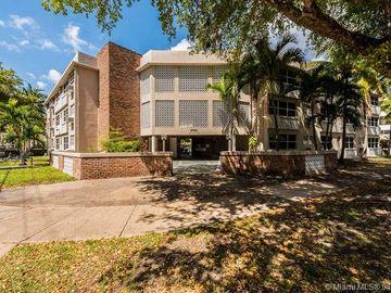 6580 SANTONA ST #A42, Coral Gables, FL, 33146,