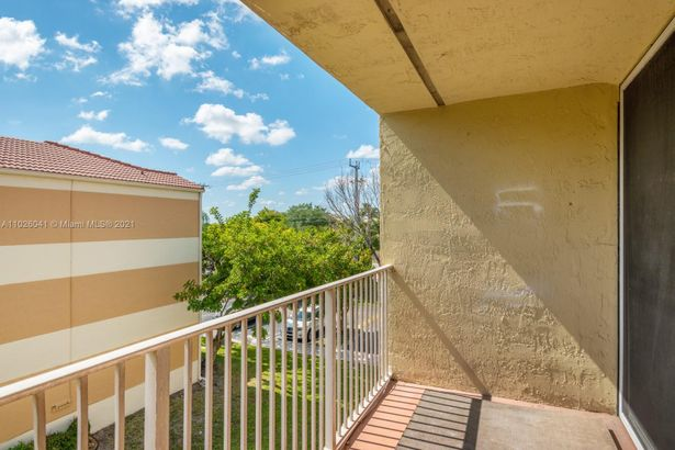 8308 NW 24th St #8308